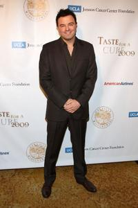 Seth MacFarlane at the UCLA Jonsson Cancer Center Foundation's