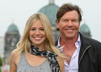 Sienna Miller and Dennis Quaid at the photocall of
