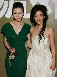 Fan Bingbing and Li Bingbing at the 25th Hong Kong Film Awards.