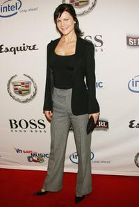 Josie Davis at the VH1 Save The Music Foundation Presents