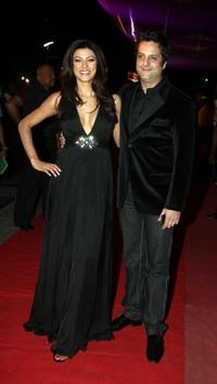 Sushmita Sen and Fardeen Khan at the premiere of