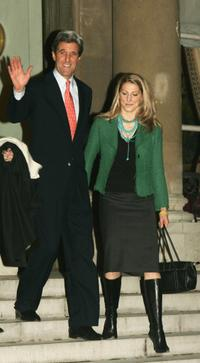 John Kerry and Vanessa Kerry at the meeting with French President Jacques Chirac.