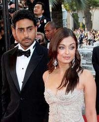Abhishek Bachchan and Aishwarya Rai at the premiere of