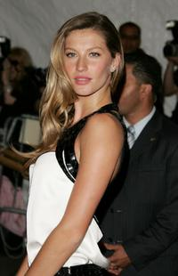 Gisele Bundchen at the Metropolitan Museum of Art Costume Institute Benefit Gala presents