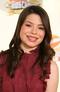Miranda Cosgrove at the 20th Annual Kid's Choice Awards.