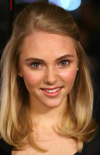 Actress Anna Sophia Robb at the Hollywood premiere of