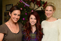 Nikki Deloach, Jillian Rose Reed and Desi Lydic at the DoSomething.org and Intel's Grandparents Gone Wired Campaign.