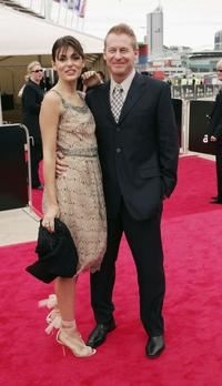 Silvia Colloca and Richard Roxburgh at the 2005 AFI Awards.