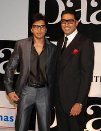 Ritesh Deshmukh and Abhishek Bachchan at the premiere of