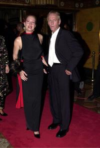 Linda Kozlowski and Paul Hogan at the world premiere of