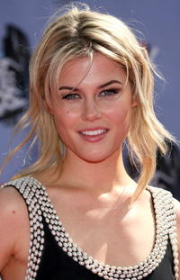Actress Rachael Taylor at the 2007 MTV Movie Awards in Universal City, California.