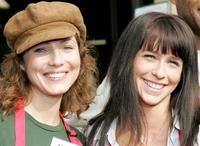 Marisa Petroro and Jennifer Love Hewitt at the Los Angeles Mission's Christmas meal for homeless.