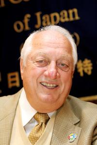 Tommy Lasorda at the press conference to promote WBC.