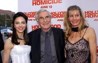 Juliet Landau, Martin Landau and Gretchen Landau at the premiere of
