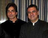 Sonu Sood and Boman Irani at the premiere of