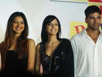 Gauhar Khan, Neha Dhupia and Akshay Kumar at the launch of