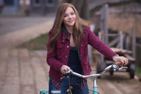 Chloe Moretz as Mia Hall in
