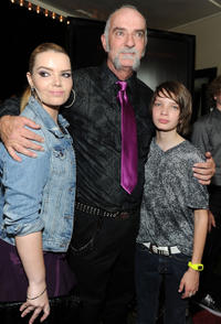Sianoa Smit-McPhee, Andy McPhee and Kodi Smit-McPhee at the World premiere of