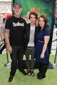 Andy McPhee, Kodi Smit-McPhee and Sianoa Smit-McPhee at the California premiere of
