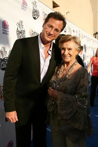 Bob Saget and Cloris Leachman at the red carpet of