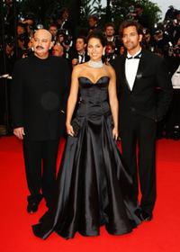 Rakesh Roshan, Barbara Mori and Hrithik Roshan at the premiere of