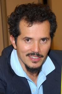 John Leguizamo signs his new book
