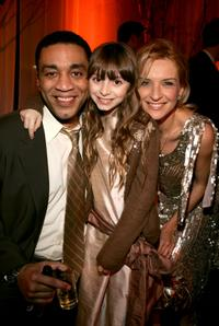 Harry J. Lennix, Jasmine Anthony and Ever Carradine at the 32nd Annual People's Choice Awards.