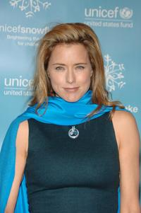 Tea Leoni at the UNICEF 2007 Snowflake Ball.