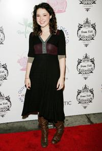 Sarah Steele at the 2006 Snow Ball Children's Benefit.