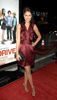 Amanda Crew at the L.A. premiere of