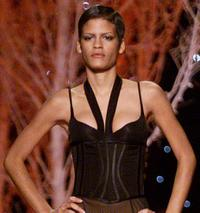 Omahyra at the Victoria's Secret Fashion Show 2001.