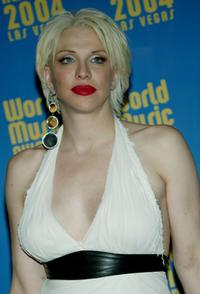 Courtney Love at the 2004 World Music Awards.