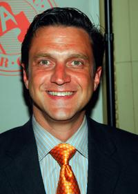 Raul Esparza at the Atlantic Theater Company's 2009 Spring Gala.