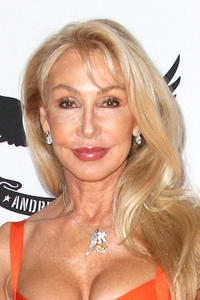 Linda Thompson at the 19th Annual Race To Erase MS -