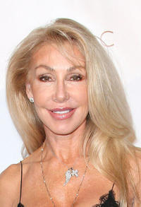 Linda Thompson at the Domingo Zapata's Oscar Art Show presented by Mr. C Beverly Hills in California.
