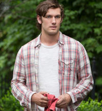 Alex Pettyfer in