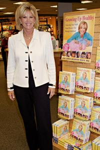 Joan Lunden at the signing of her book