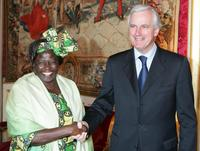 Wangari Maathai and Michel Barnier at the meeting at Quai d'Orsay in Paris.