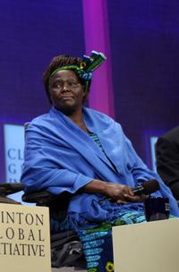 Wangari Maathai at the World Leaders Debate Global Issues.