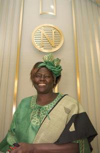 Wangari Maathai at the press conference at Nobel institute in Oslo.