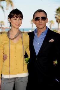 Olga Kurylenko and Daniel Craig at the photocall of