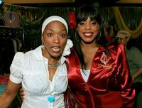 Angela Bassett and Niecy Nash at the 20th annual Kid's Choice Awards.