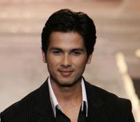 Shahid Kapoor at the grand finale of Wills Lifestyle Fashion Week.