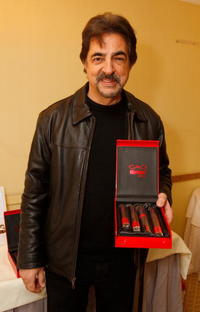 Joe Mantegna at the Luxury Lounge in honor of the 2008 SAG Awards featuring Cao cigars.