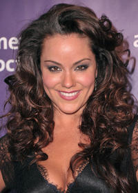 Katy Mixon at the 19th Annual