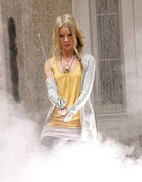 Anita Briem as Elizabeth Ryan in