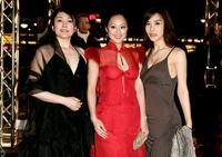 Keiko Matsuzaka, Teresa Cheung and Harisu (Ri-su Ha) at the premiere of