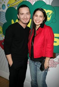 Obie Bermudez and Jennifer Pena at the MTV's mi TRL.