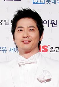 Kang Ji-hwan at the 45th PaekSang Art Awards.