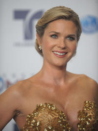 Sonya Smith at the Telemundo's Premios Tu Mundo Awards.